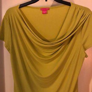 Sunny Leigh - lime green top